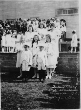 Queen Mary and Attendants, Mission B.C. May 24, 1921